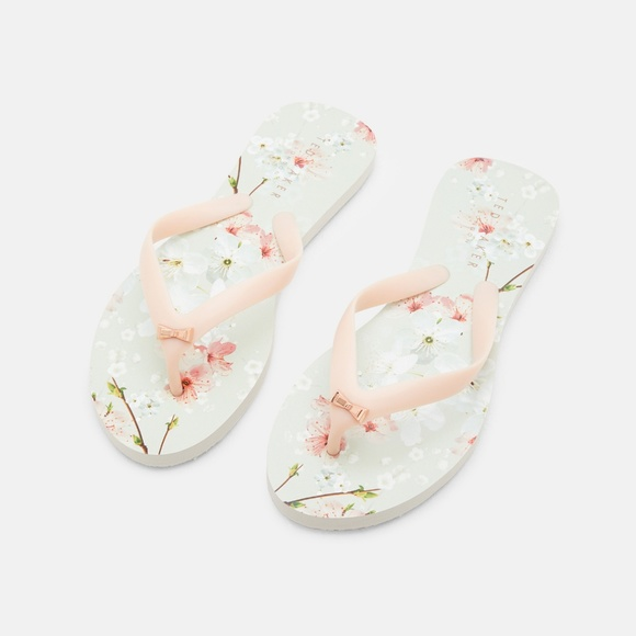 04e80d12d99cb8 Ted Baker Aalo Flip Flop in Oriental Blossom